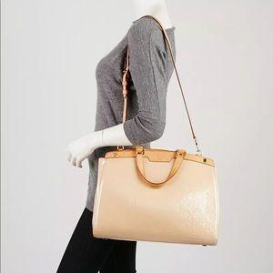 LOUIS VUITTON, 100% Authentic, 'Brea' GM Bag